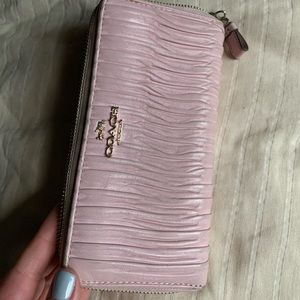 Pink Coach long wallet in great condition